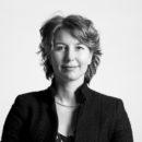 Arlette Schijns.Foto - Komt wijsheid pas met de jaren? (Advocaat en krant - deel 4) - van Swaaij Cassastie & Consultancy - cassatieadvocaat - cassatie advocaat