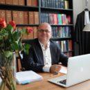 Foto.Sjef.Desk.2 - Op kantoor: kroonluchters  - van Swaaij Cassastie & Consultancy - cassatieadvocaat - cassatie advocaat