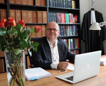 Foto.Sjef.Desk.2 - Verbintenis om geen schade toe te brengen? - van Swaaij Cassastie & Consultancy - cassatieadvocaat - cassatie advocaat