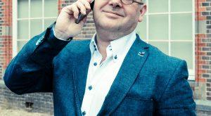 Foto.Telefonerend - Landelijke Orde biedt excuses aan voor slotact - van Swaaij Cassastie & Consultancy - cassatieadvocaat - cassatie advocaat