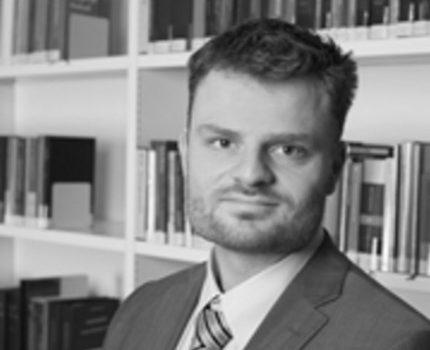 Tom van Malssum - Tussen wal en schip - van Swaaij Cassastie & Consultancy - cassatieadvocaat - cassatie advocaat