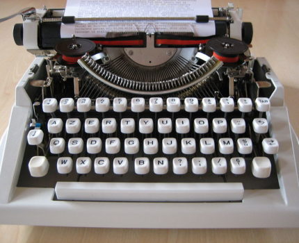 Typemachine - Taallesjes voor juristen (3): 'mocht het zo zijn dat' - van Swaaij Cassastie & Consultancy - cassatieadvocaat - cassatie advocaat