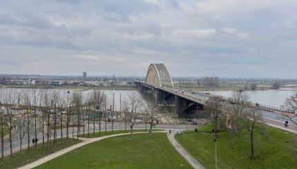 Waalbrug Valkhof