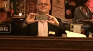 foto.Selfie.CaféJos.2 - 85% van de juridische hoogleraren eruit? - van Swaaij Cassastie & Consultancy - cassatieadvocaat - cassatie advocaat
