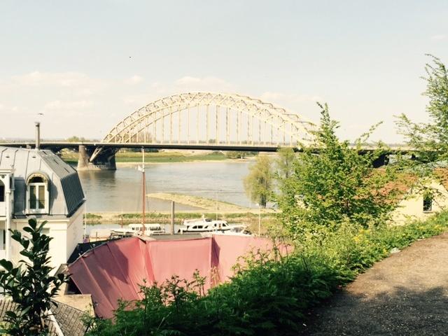 foto.Waalbrug.vanafValkhof