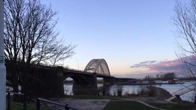 foto.WaalbrugFebruari.2014