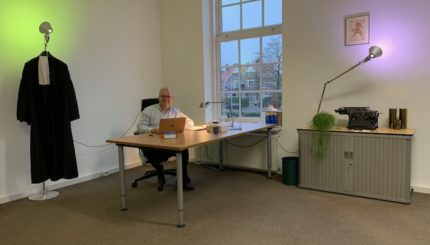 """foto.corner room - Succes in cassatie: bewijs -""""akte"""" (art. 156 lid 1 Rv) of vervalsing? - van Swaaij Cassastie & Consultancy - cassatieadvocaat - cassatie advocaat"""